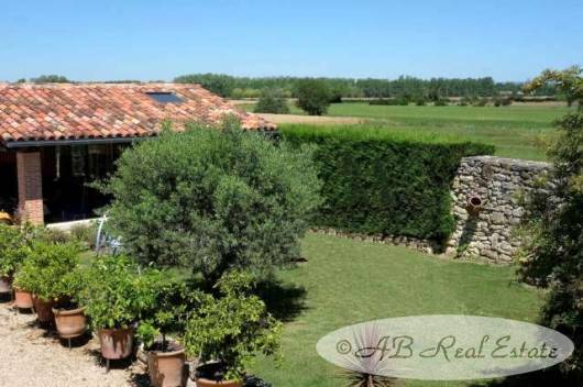 FarmhouseForSaleCastresTarnLanguedoc