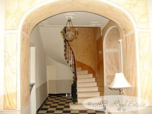Character House Beziers